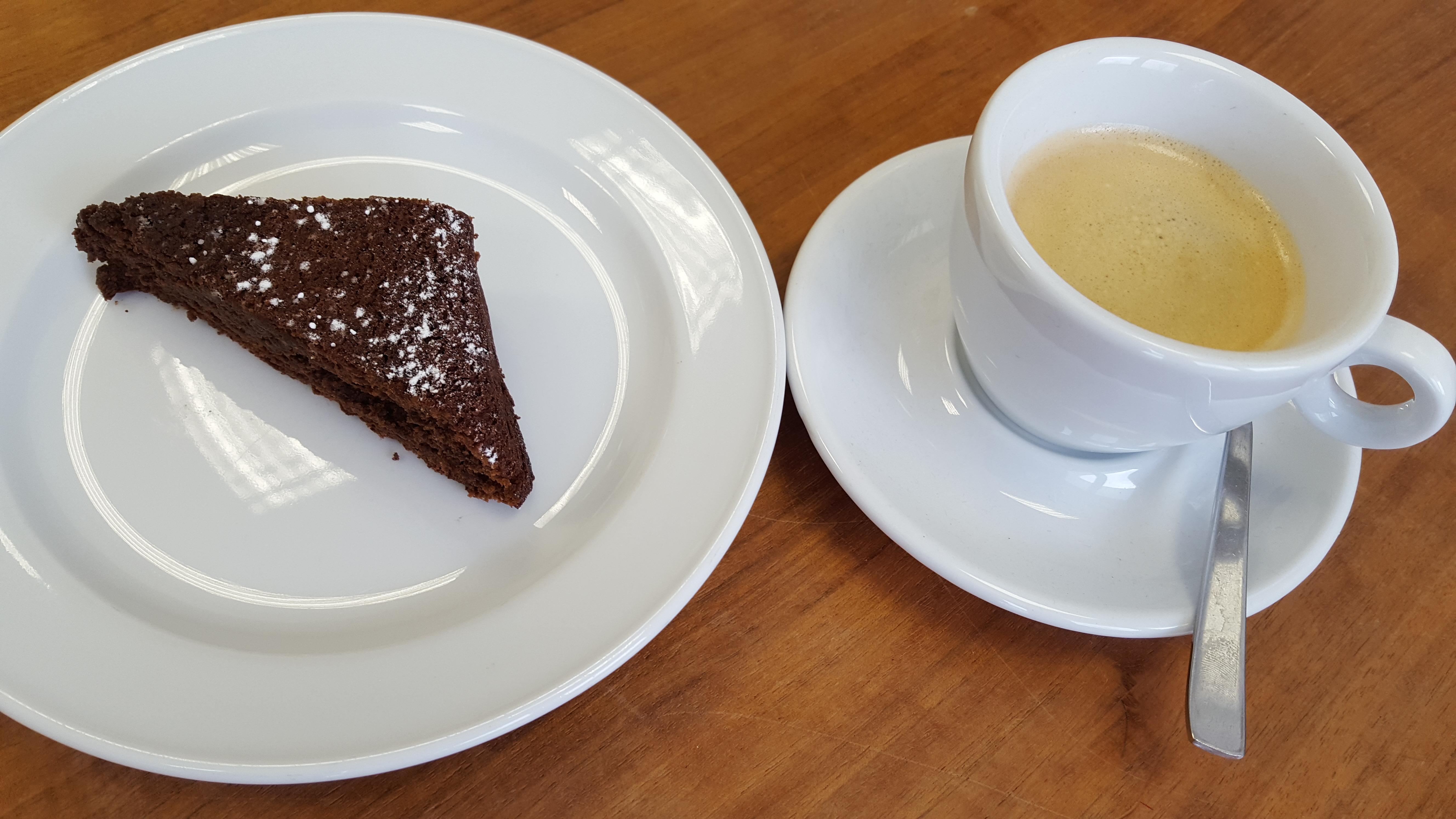 Elterncafe_KAffee_Kuchen
